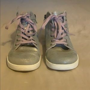 UGG high tops Girls Size 3